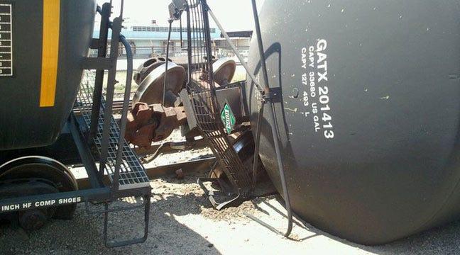 BNSF Tanker Cars Derail In West Tulsa