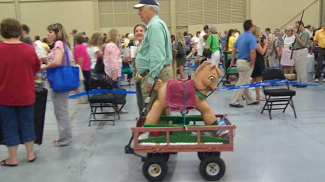 Antiques Roadshow Draws A Crowd In Tulsa