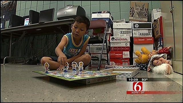 Burmese Refugees Receive Cultural Crash Course In Tulsa