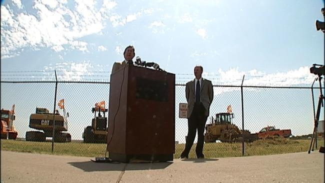 Mayor Bartlett: FAA Shutdown Is Costing Tulsa Jobs And Cash