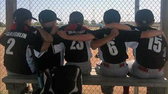 Blitz Pics: Buds, Baseball and More