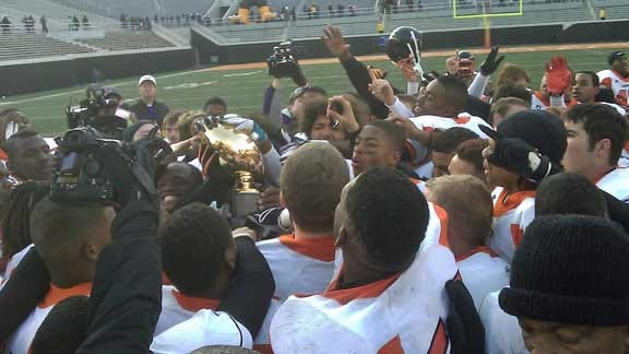 Booker T. Routs East Central to Claim Class 5A