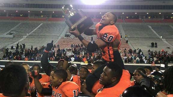 Douglass Holds off Wagoner in Overtime to Win Class 4A