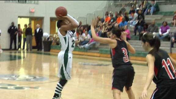 Graves' 16 Points Helps Lady Wolves to Win
