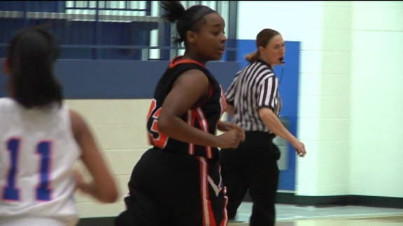 Lady Hornets Hold off Lady Ropers on the Road