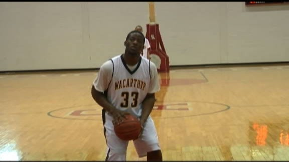 MacArthur Holds Off Guthrie in Titan Classic Opener