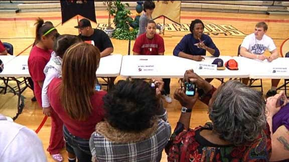 Southmoore Honors Eight Signees With Ceremony