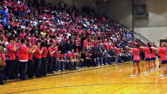 Vinita 'Pinks Out' for Cancer Awareness