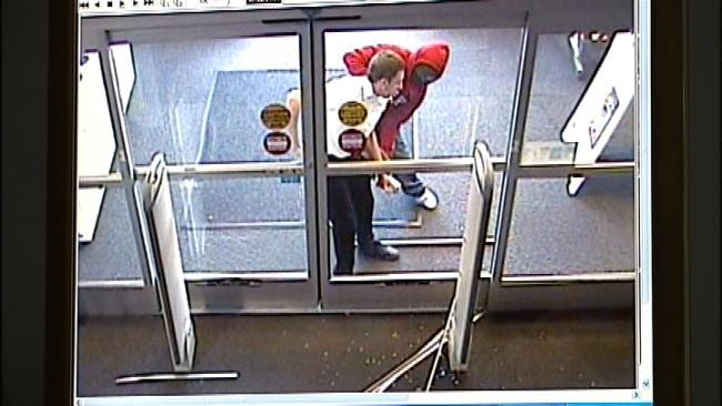 Tulsa Police Release Video In Best Buy Robbery