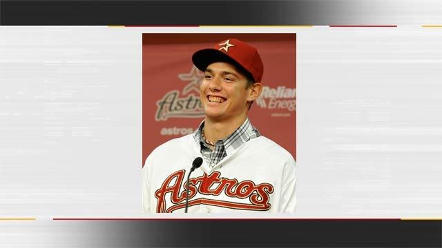 Locust Grove's Adrian Houser Signs with Houston Astros