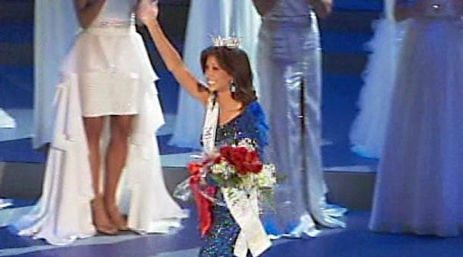 Miss Oklahoma State University Betty Thompson Crowned Miss Oklahoma
