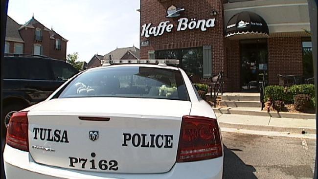 Two Men Rob South Tulsa Cafe, Customers At Gunpoint