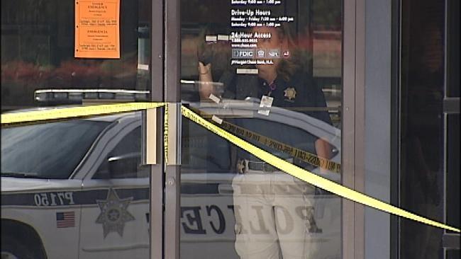 Robber Strikes South Tulsa Bank Thursday Morning