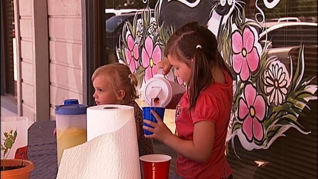 Free Lemonade Stand Turns Into A Profitable Business For Broken Arrow Girls