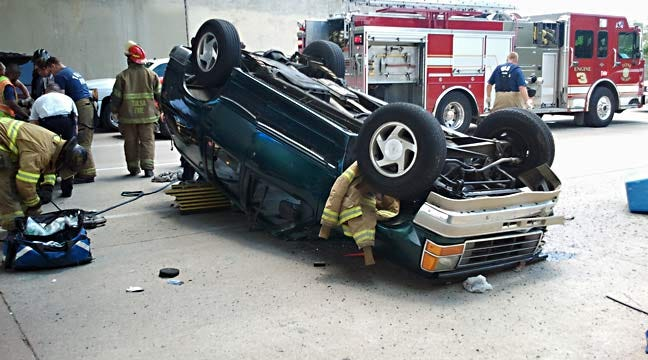 Tulsa Police: Wrong-Way Driver Hurt In Rollover Under The IDL