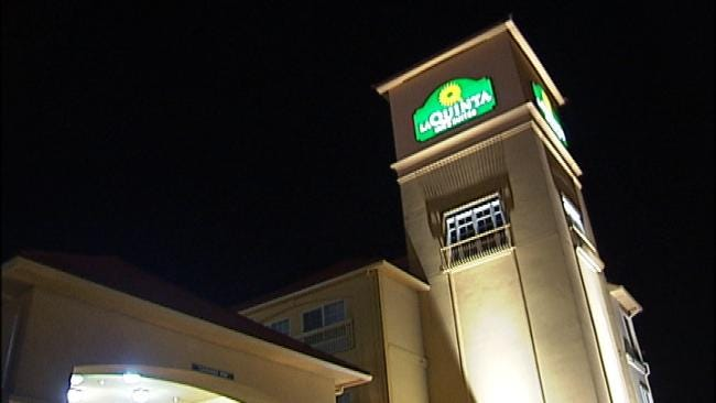 Female Armed Robber Fires 3 Rounds Into LaQuinta Inn Ceiling