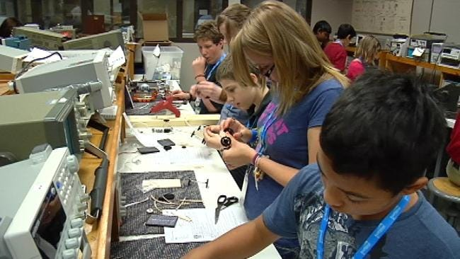 Tulsa Middle School Students Go To Engineering Camp