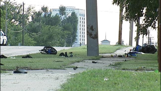 Motorcyclist Dies After Crashing Into Pole On Tulsa Street