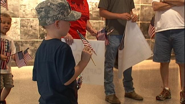 Family, Friends Greet Oklahoma Soldier Home From Afghanistan