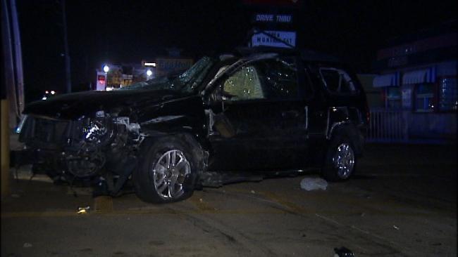 Overnight Tulsa Wreck Causes Property Damage, Injury
