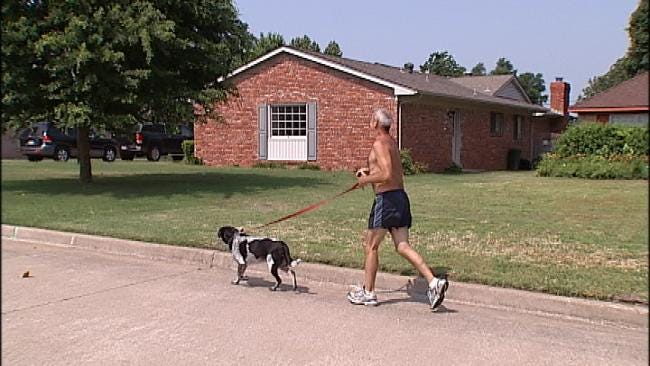 Joggers Sweat It Out In Tulsa Heat