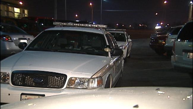 Tulsa Hotel Guests Robbed At Gunpoint