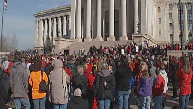 Bill Would Make Oklahoma Teachers Wait Longer For Pension, Retirement