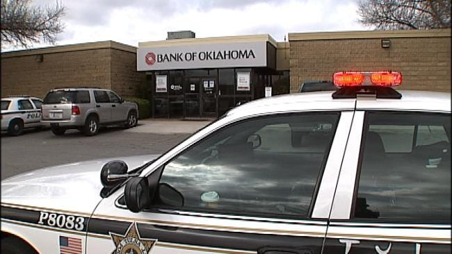 Man With Fake Beard Holds Up Tulsa Bank