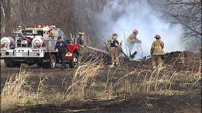 Tulsa Firefighters Keep Grassfire From Spreading To Nearby Homes