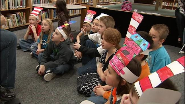 Radar The Weather Dog Helps Tulsa Students Celebrate Dr. Seuss' Birthday