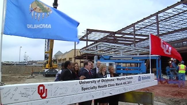Final Beam In Place At Tulsa's Wayman Tisdale Clinic