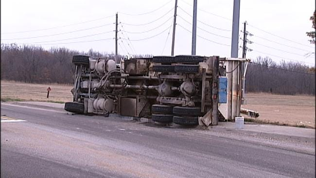 Truck Carrying Ammonium Nitrate Spills Load Near Port Of Catoosa