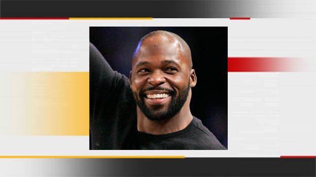 Tulsa Police: Oklahoma Football Great R.W. McQuarters Shot In The Back