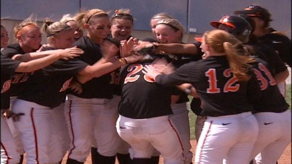OSU Softball Sweeps Two Games in Houston