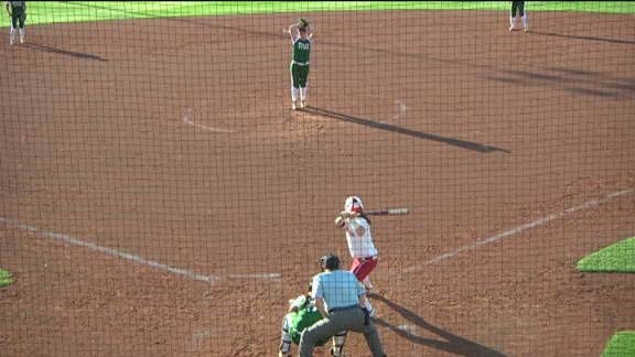 Sooners' Offense Comes Alive in Blowout of North Texas
