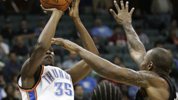 Thunder Routs Miami on the Road