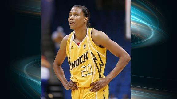 Tulsa Shock Re-signs Marion Jones