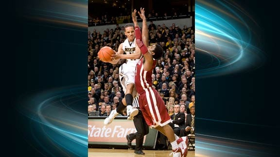 Turnover Woes Lead Sooners to Third Straight Loss