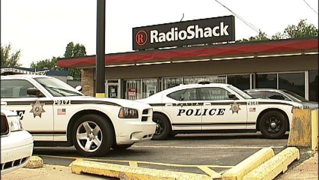 Armed Man Robs Tulsa RadioShack