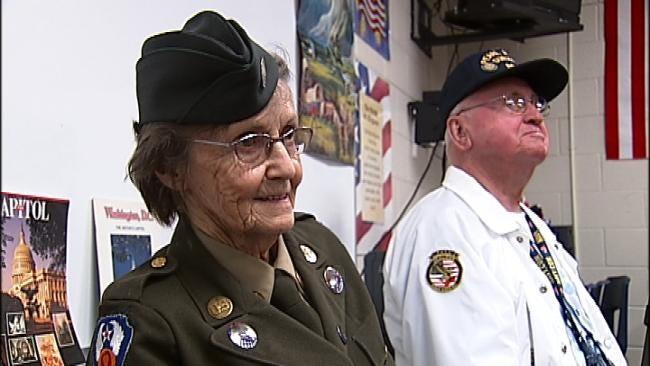 Tulsa Fifth Graders Say 'Thank You' To World War II Vets