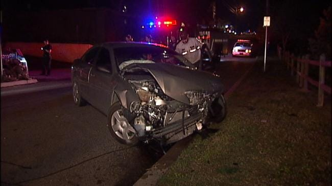 Driver Runs Away After Tulsa Car Crash Early Thursday
