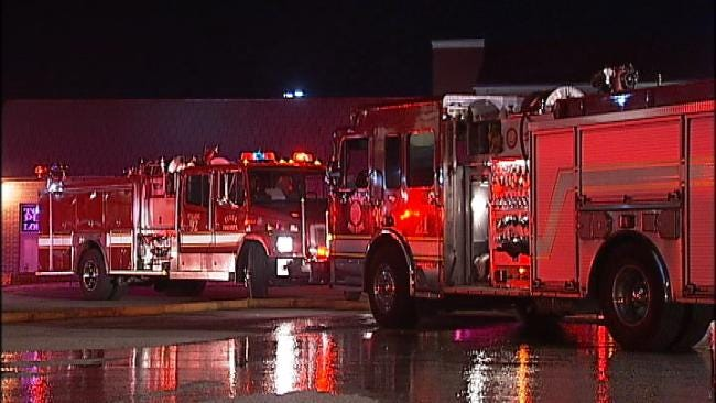 Fire In Tulsa Strip Mall Early Thursday Under Investigation