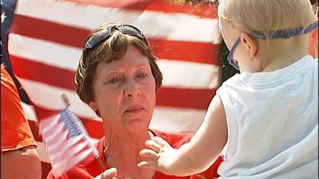 Tulsa Mom Gets Surprise Visit From Marine On Coast To Coast Trek