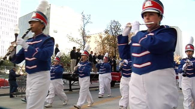 Tulsa Honors Oklahoma Veterans With Big Downtown Parade