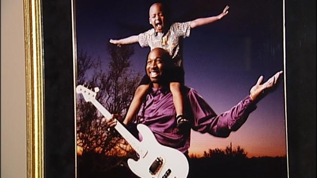 Wayman Tisdale To Be Inducted Into Oklahoma Music Hall Of Fame