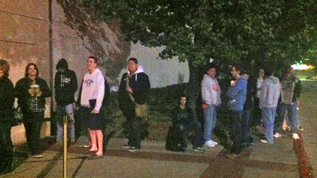 Dozens Of Tulsa iPhone Fans Wait In Line Friday Morning For Latest Model