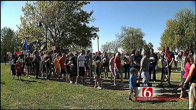 Thousands Pack Tulsa's Union Central Park For Annual 'Buddy Walk'