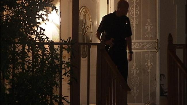 Tulsa Police: Home Invasion, Robbery Injures Two