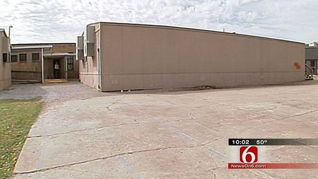 Vinita Parents Demand Answers After Mold Re-Appears In Schools