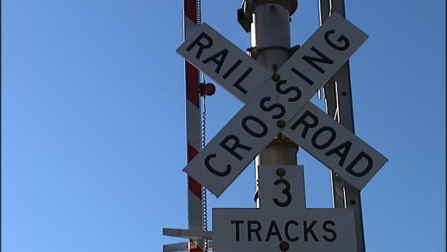 BNSF And Tulsa Police Offer Railroad Crossing Safety Refresher